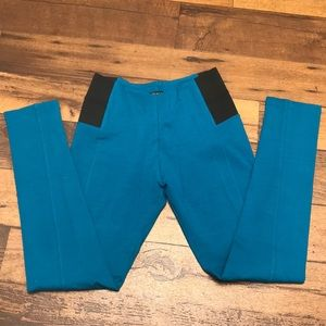 New stretchy leggings, size L